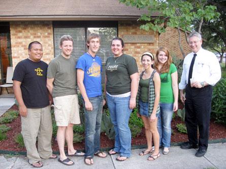 2009-10-01-casa-marianist-grads